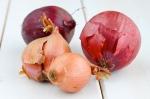 http://iadorefood.com/wp-content/uploads/2012/04/onions.jpg